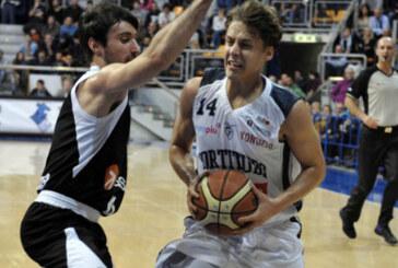 Cade Udine, sette squadre in due punti