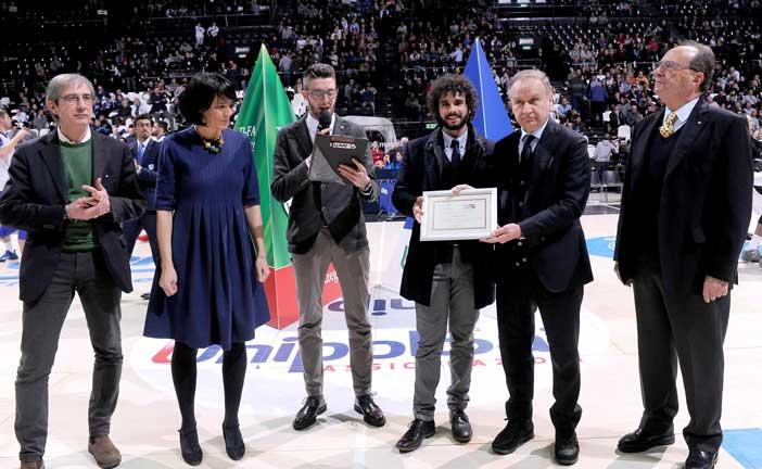 Gianni Petrucci, Presidente Fip, premia nel nome di Porelli