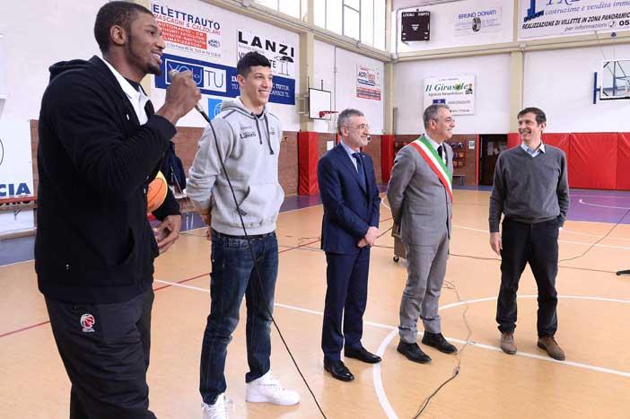 Fondazione Virtus dona un defibrillatore alla scuola Beata Vergine di Lourdes