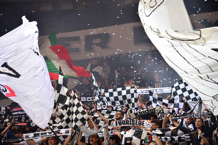 Forever Boys e Vecchio Stile consegna biglietti Gara3 Trieste