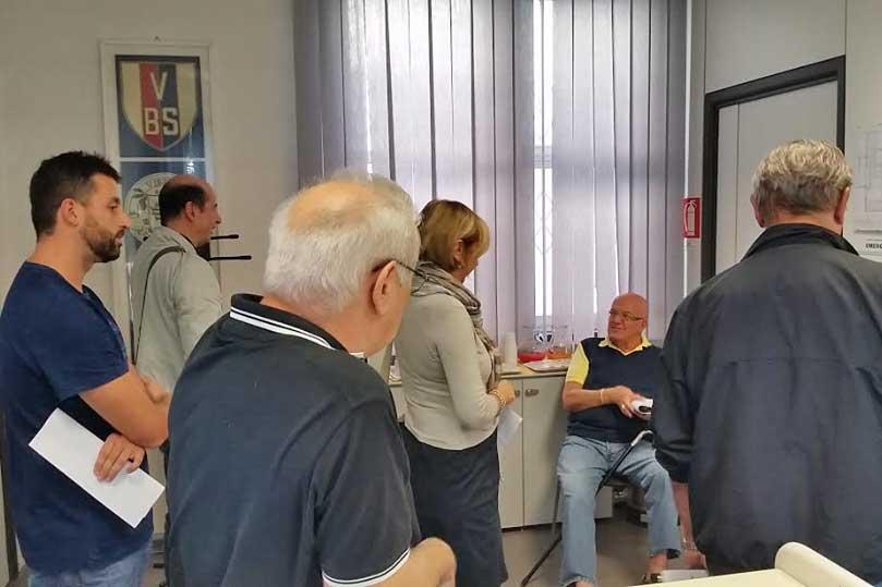 Virtus, il presidente Bucci consegna gli abbonamenti