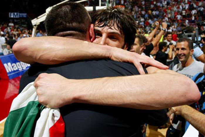 Gianluca Basile annuncia il ritiro dal basket