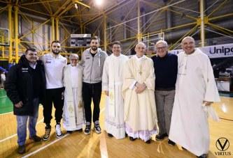 Virtus, cinquecento persone alla Santa Messa di Monsignor Zuppi