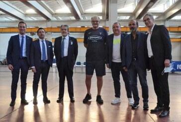 La presentazione ufficiale di coach Romeo Sacchetti
